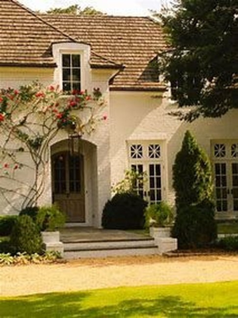 Awesome French Country Exterior Design Ideas For Home 10
