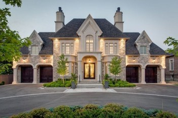 Awesome French Country Exterior Design Ideas For Home 14