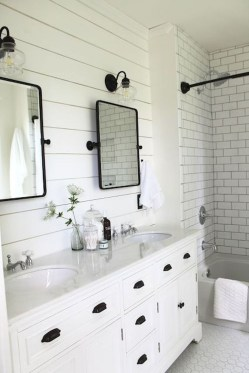 Elegant Farmhouse Bathroom Wall Color Ideas 08