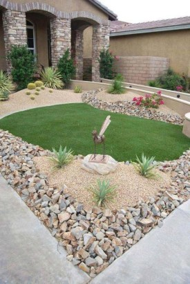 Stunning Front Yard Courtyard Landscaping Ideas 07