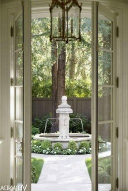 Stunning Front Yard Courtyard Landscaping Ideas 36