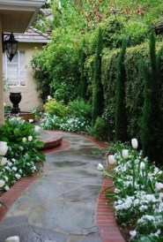 Stunning Front Yard Courtyard Landscaping Ideas 57