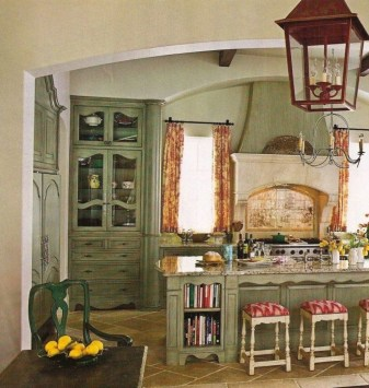 Stylish French Country Kitchen Decor Ideas 15