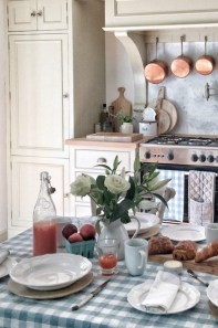 Stylish French Country Kitchen Decor Ideas 46