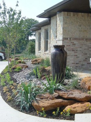 Brilliant Rock Garden Landscaping Ideas For Front Yard 41