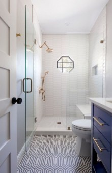 Gorgeous Small Bathroom Remodel Ideas On A Budget 21