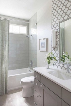 Gorgeous Small Bathroom Remodel Ideas On A Budget 26