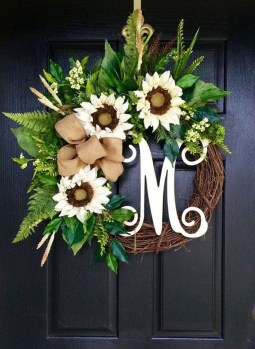 Beautiful Summer Wreath Design Ideas To Try Asap 42