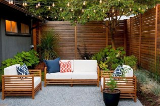 Charming Privacy Fence Ideas For Gardens 35
