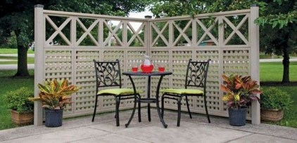 Charming Privacy Fence Ideas For Gardens 51