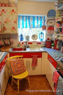 Cool Colorful Kitchen Decor Ideas For Summer 31
