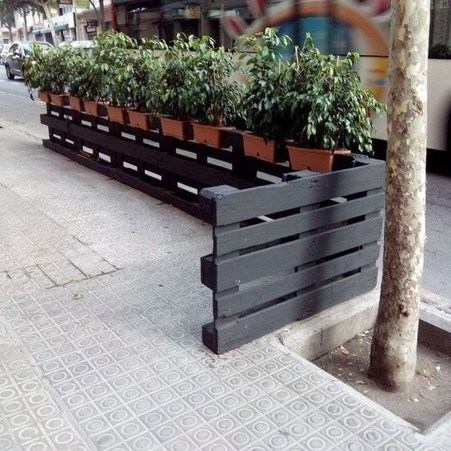 Cool Garden Fence Decoration Ideas To Try This Year 07