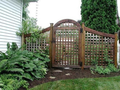 Cool Garden Fence Decoration Ideas To Try This Year 11