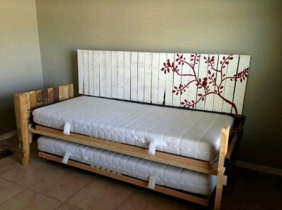 Fancy Diy Ideas To Make Bed Place From Pallet Project 02