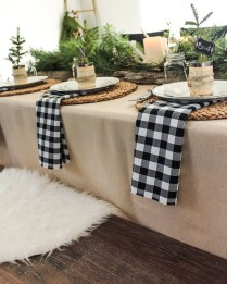 Hottest Christmas Table Decorating Ideas For You 11