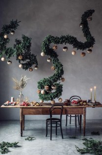Hottest Christmas Table Decorating Ideas For You 32