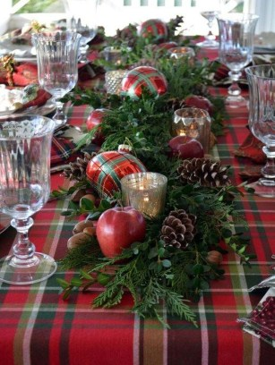 Hottest Christmas Table Decorating Ideas For You 43