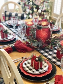 Hottest Christmas Table Decorating Ideas For You 49