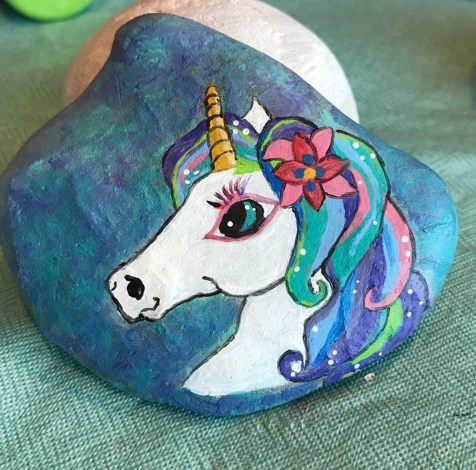 Inspiring Diy Painted Rocks Ideas With Animals Horse For Summer 34