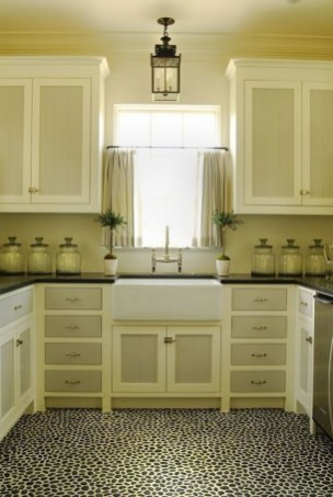 Unique Painted Kitchen Cabinets Design Ideas With Two Tone 47