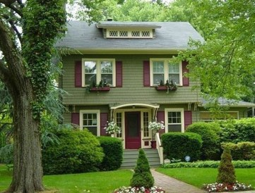 Astonishing Exterior Paint Colors Ideas For House With Brown Roof 52