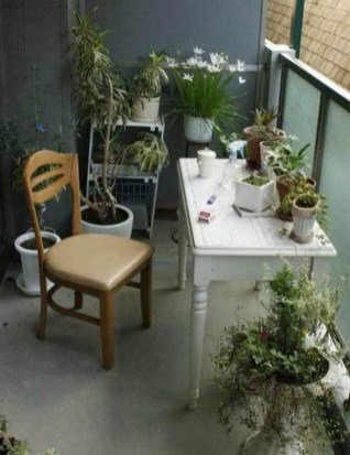 Cool Apartment Balcony Design Ideas For Small Space 06