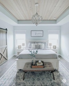 Enchanting Farmhouse Bedroom Ideas For Your House Design 27