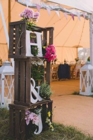 Splendid Wedding Decorations Ideas On A Budget To Try 28