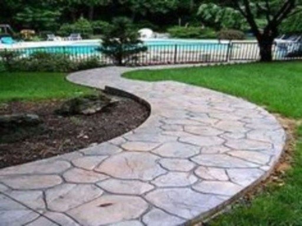 Unordinary Diy Pavement Molds Ideas For Garden Pathway To Try 18