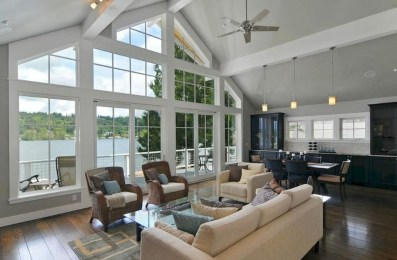 Attractive Lake House Decorating Ideas For You 04
