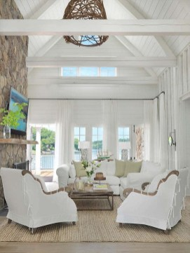 Attractive Lake House Decorating Ideas For You 26