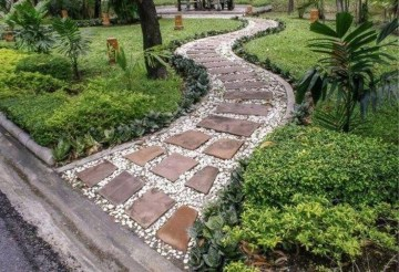 Popular Garden Path And Walkway Ideas To Your Outdoor Space 18
