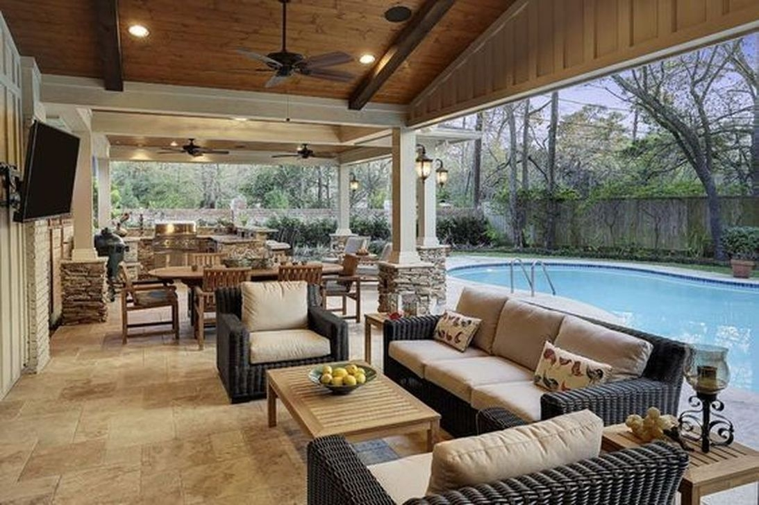 Relaxing Living Room Design Ideas For Outdoor 38