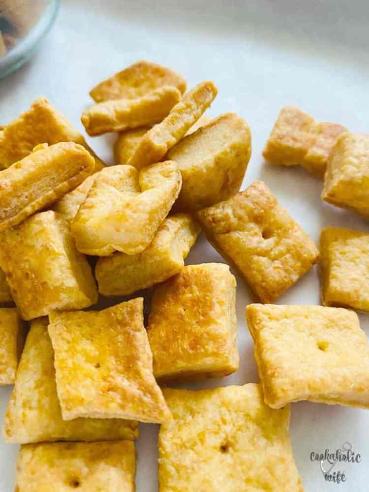 homemade.cheese.crackers
