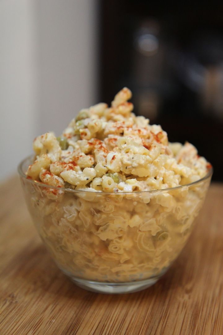 Macaroni tuna salad with crisp celery and creamy mayo topped with a little sprinkle of paprika