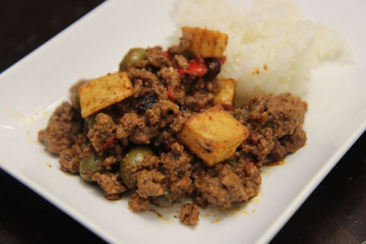 One healthy serving size of picadillo with white rice