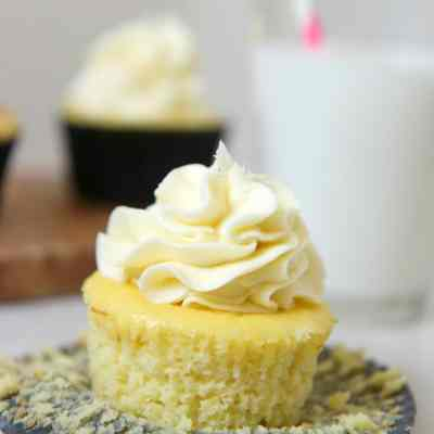 Low Carb Vanilla Cupcakes