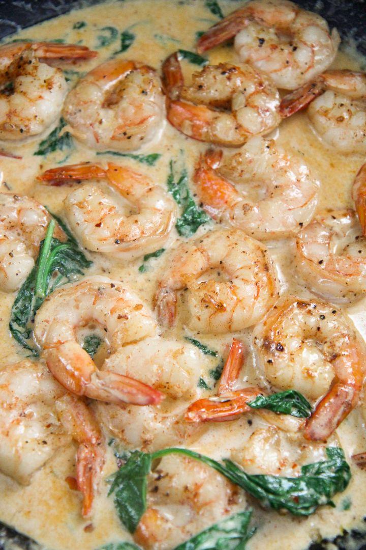 creamy shrimp with spinach up close