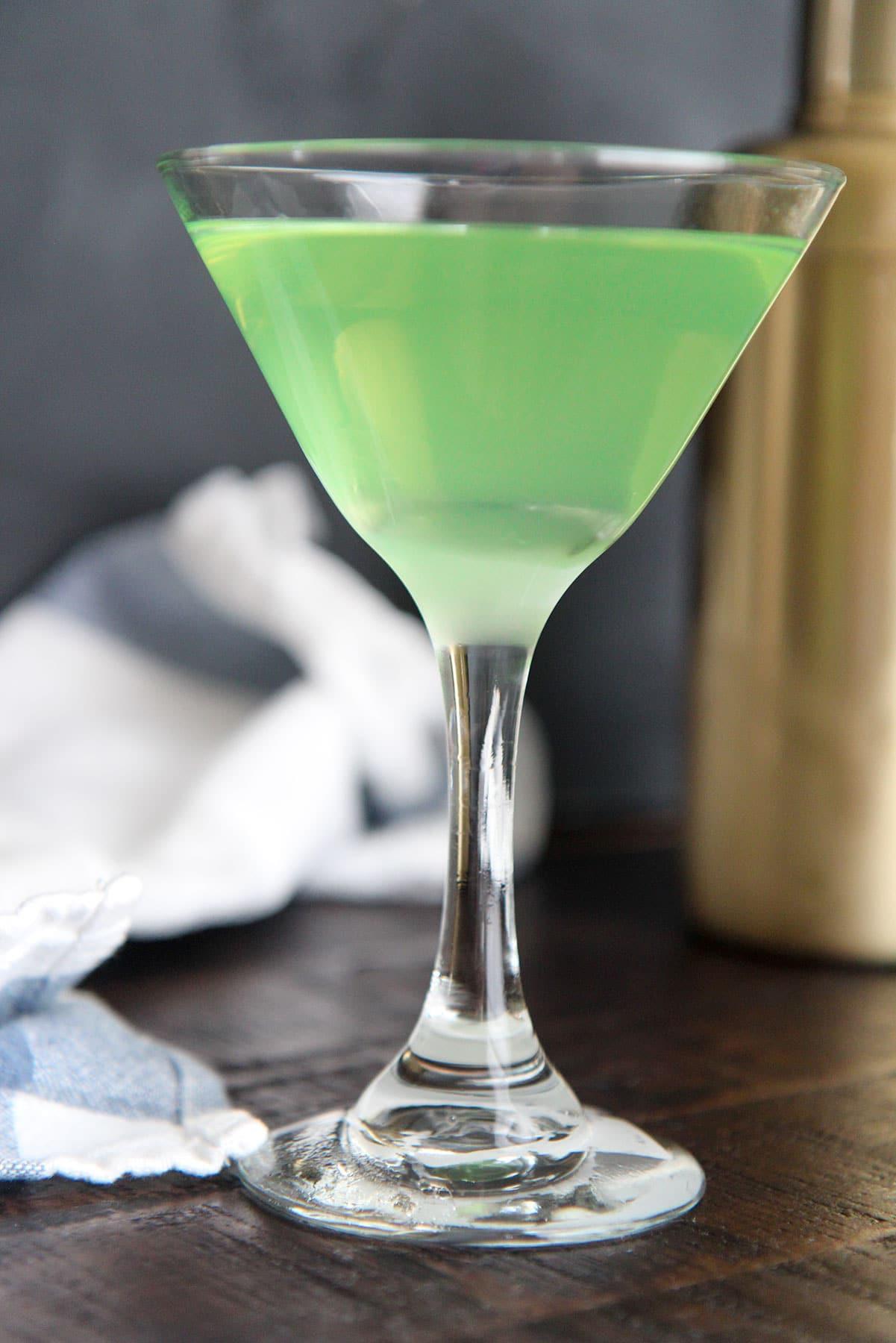 apple martini in a frozen martini glass