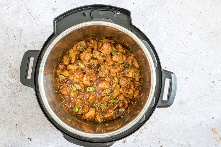 sesame chicken with scallions inside the instant pot.