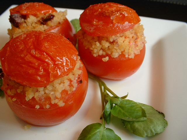 Baked stuffed tomatoes. Cooking tips for vegetables