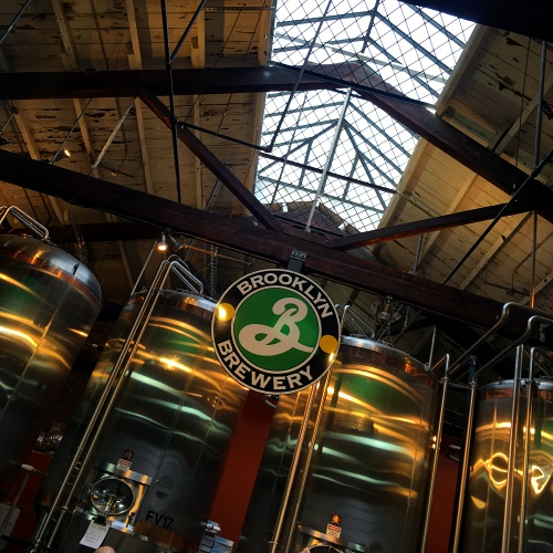 brooklyn-brewery-craftbeer-hall-hops-review-new-york-usa-maps-ale-logo-history