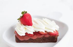 Strawberry Banana Shortcake