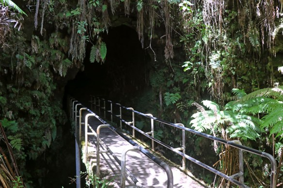 Things to do on the Big Island of Hawaii | Volcanoes National Park Thurston Lava Tube
