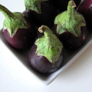 Rhengan Reveya Recipe – Brinjals in Peanut Sauce