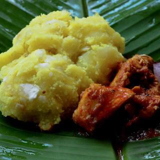 Kappayum Meenum / Boiled Tapioca with Kerala Fish Curry