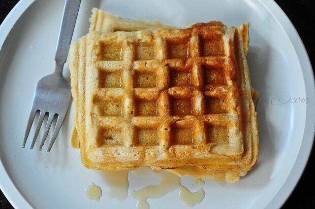 Eggless Whole Wheat Waffles Recipe