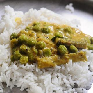 Green Peas Poricha Kuzhambu Recipe, Make Poricha Kuzhambu