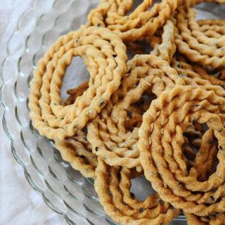 Kai Murukku | Raw Rice Murukku | Step by Step Diwali Snacks Recipes