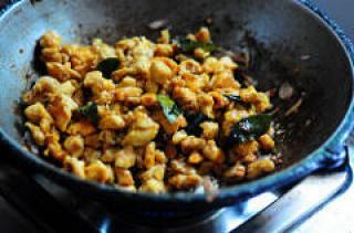 Chicken Thoran-Dry Chicken Recipe with Coconut